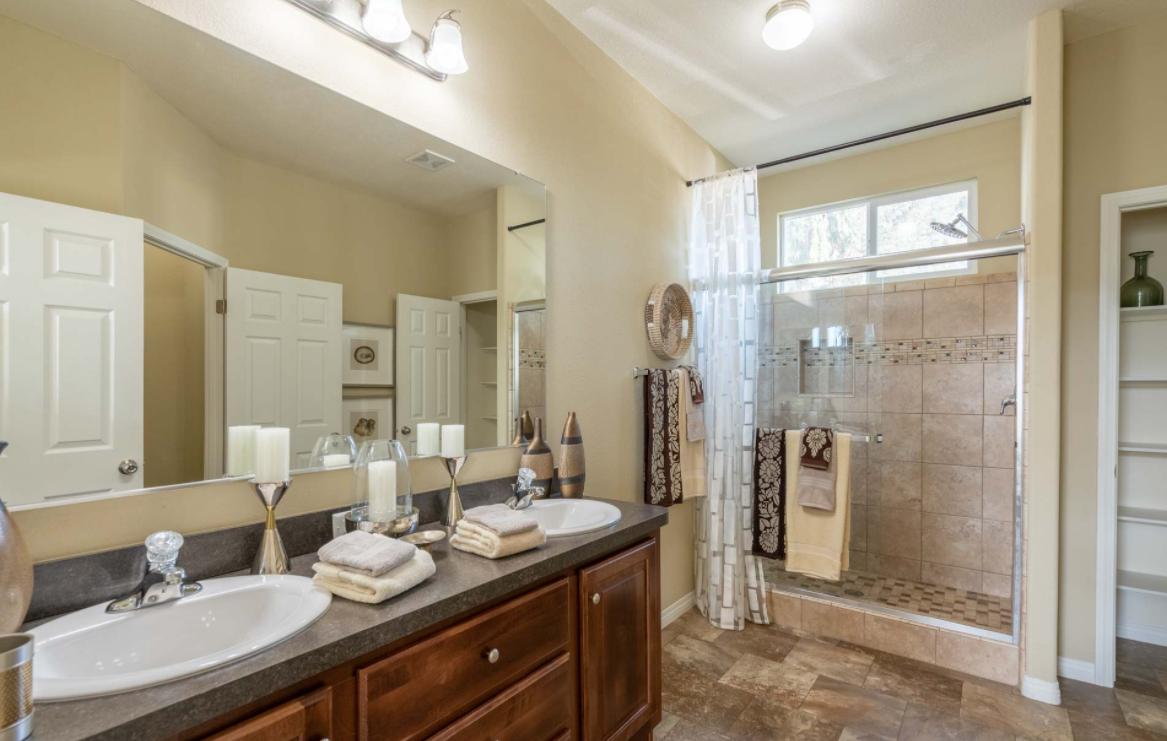 clayton golden west ck481F Bathroom