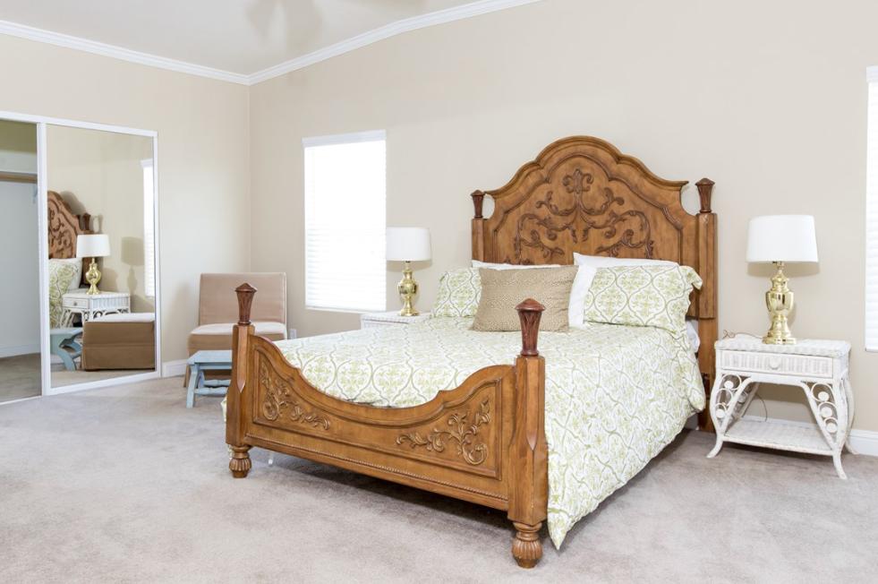 clayton golden west ge662k Bedroom