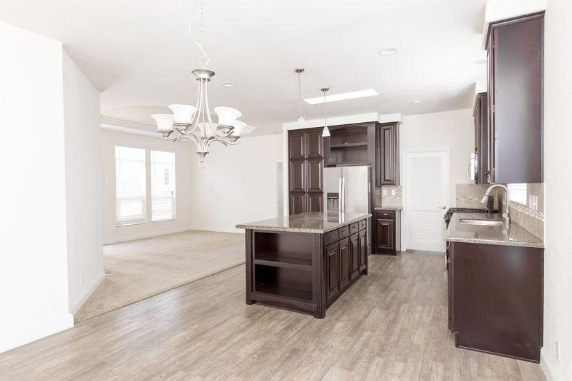Clayton Golden West GLE601F Kitchen Living