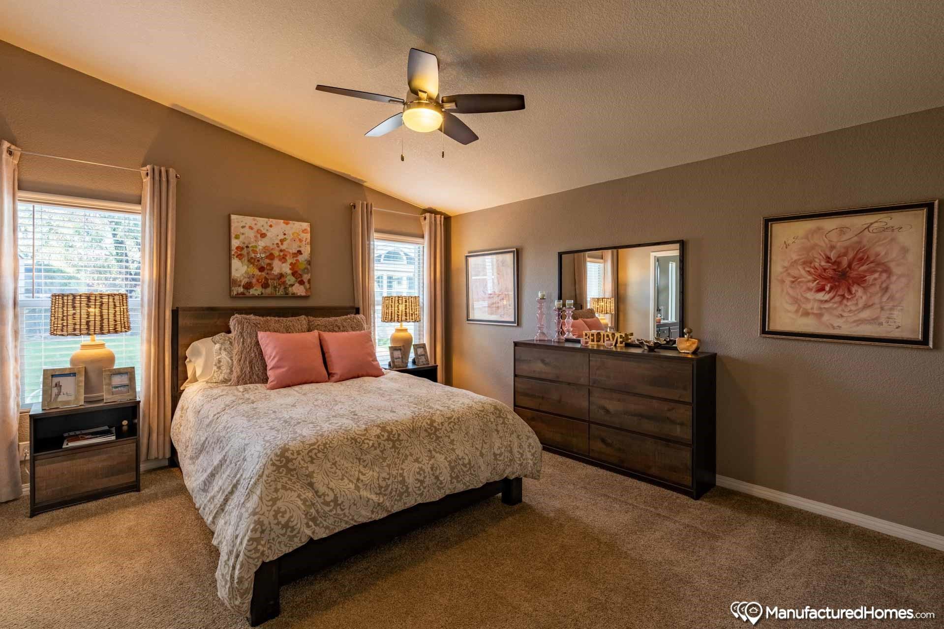 clayton golden west ck602F Bedroom