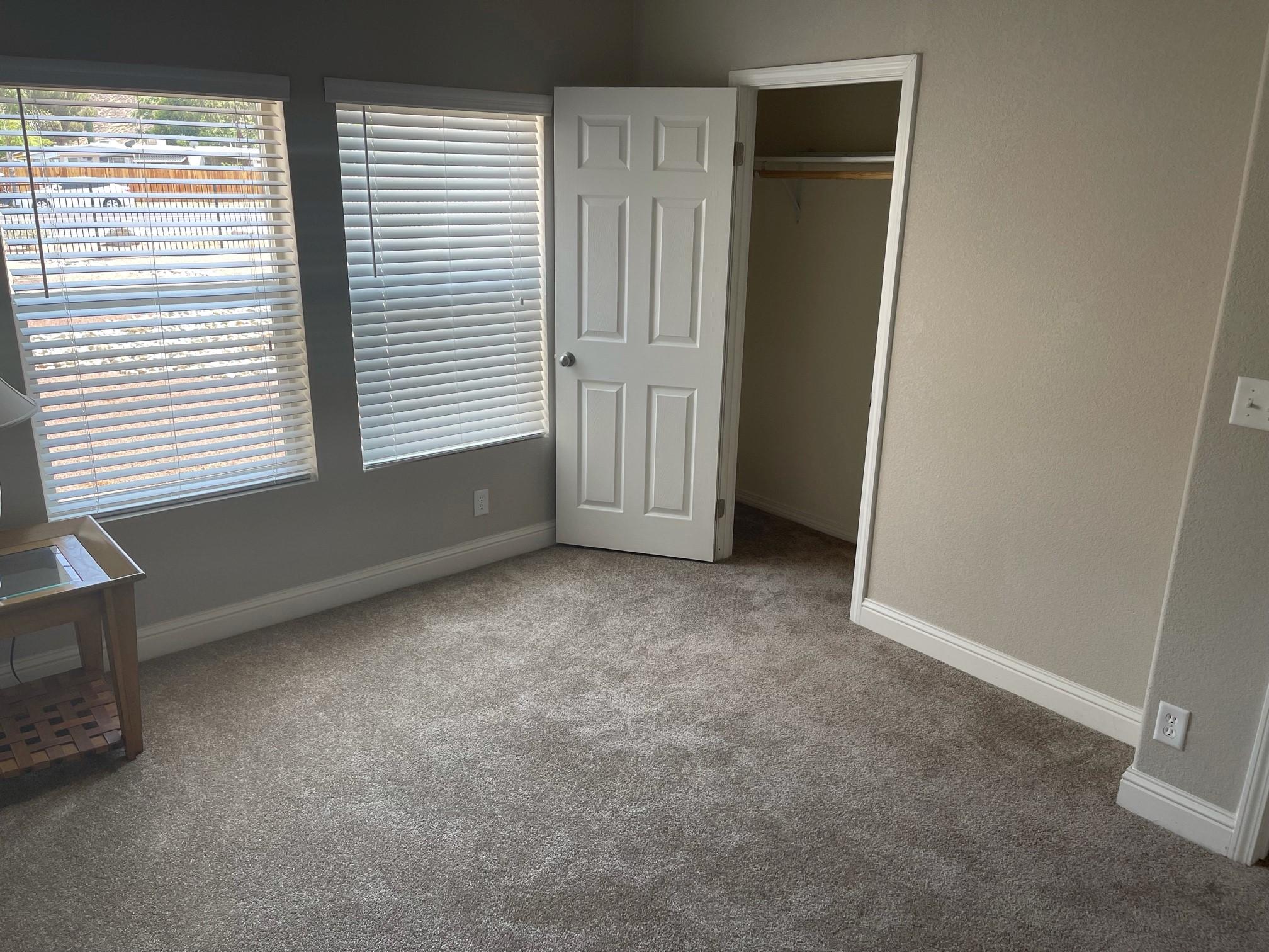 clayton golden west ck662ks Bedroom