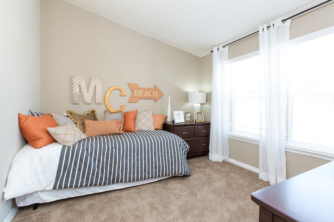 clayton golden west ge601k Bedroom