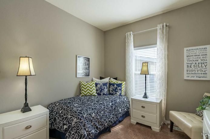 clayton golden west ge660f Bedroom