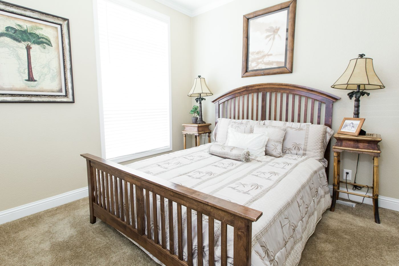 Clayton Golden West GLE562F Bedroom 2