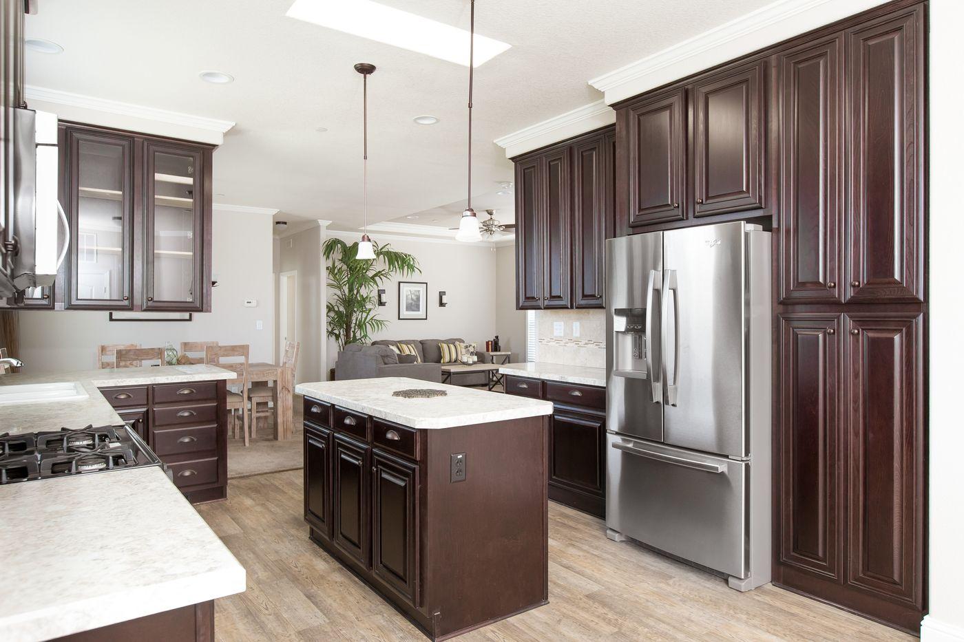 Clayton Golden West GLE562F Kitchen Living