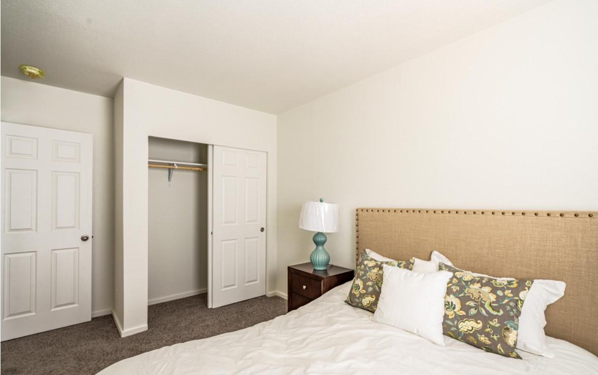 Clayton-Golden-West-GP2038-2B-Bedroom2